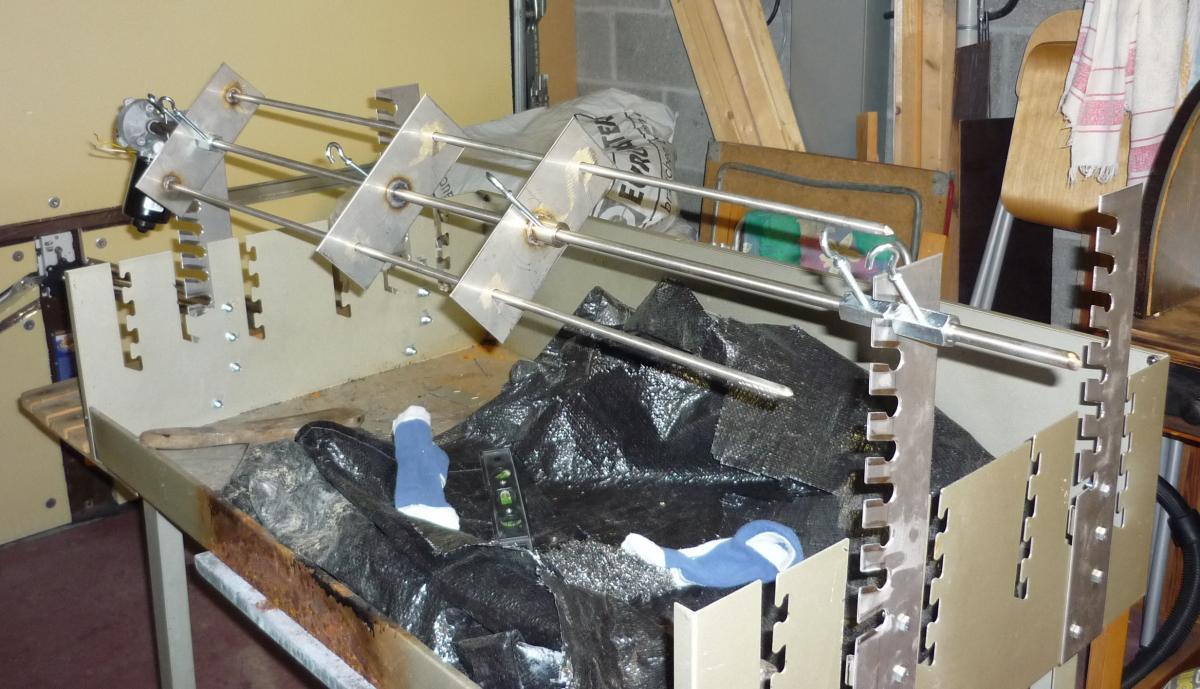 grillspie mit motor grillforum und bbq. Black Bedroom Furniture Sets. Home Design Ideas