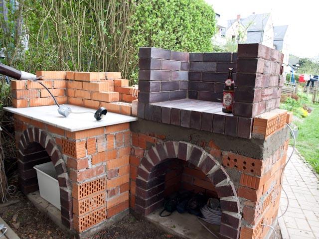 gemauerter grill jetzt geht es los seite 2 grillforum und bbq. Black Bedroom Furniture Sets. Home Design Ideas