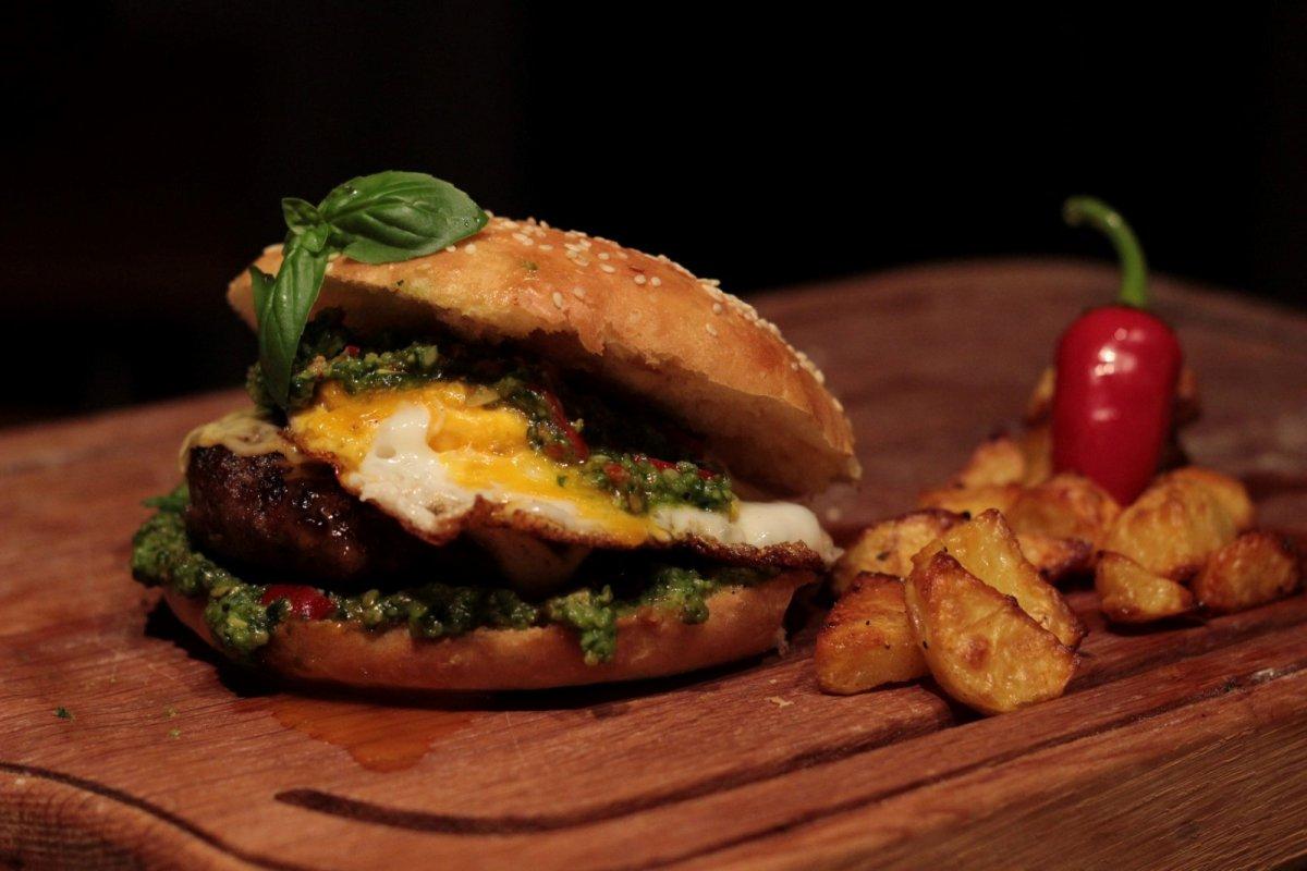 Pesto Beef Burger.JPG