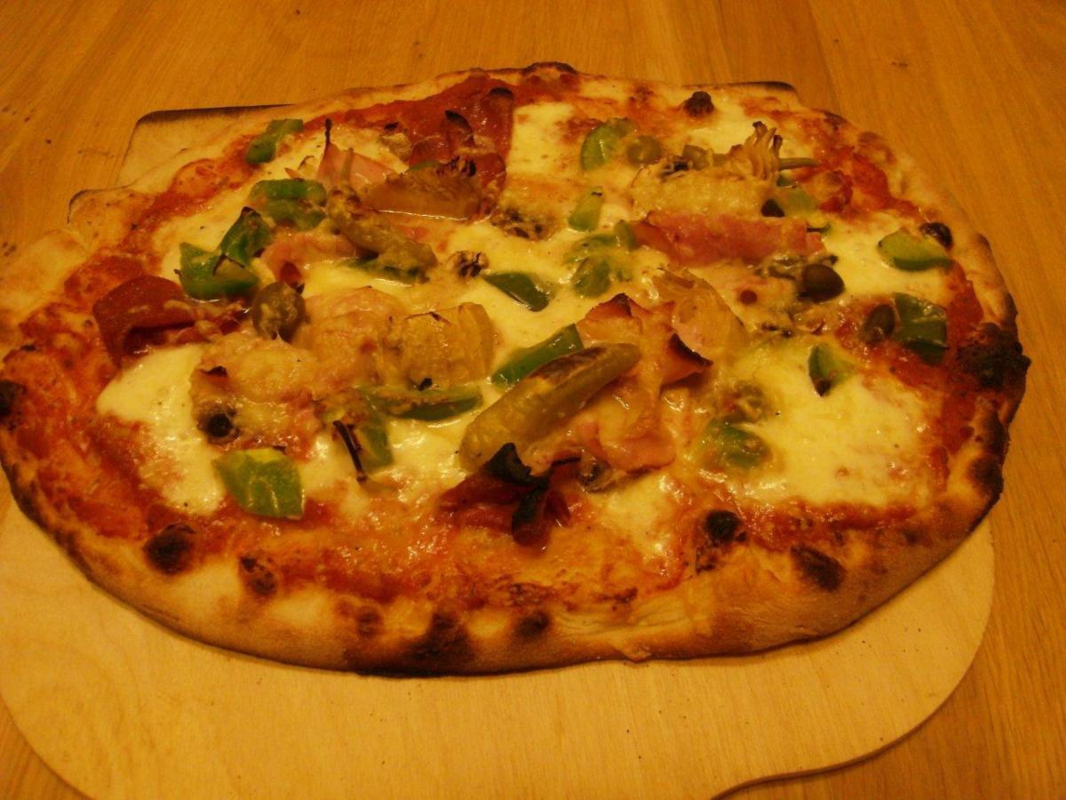 Pizza 2401_2013 (2).jpg