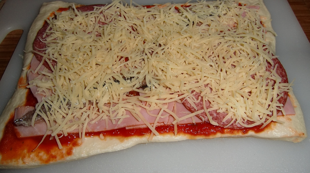 Pizza aus der Kugel (3).JPG