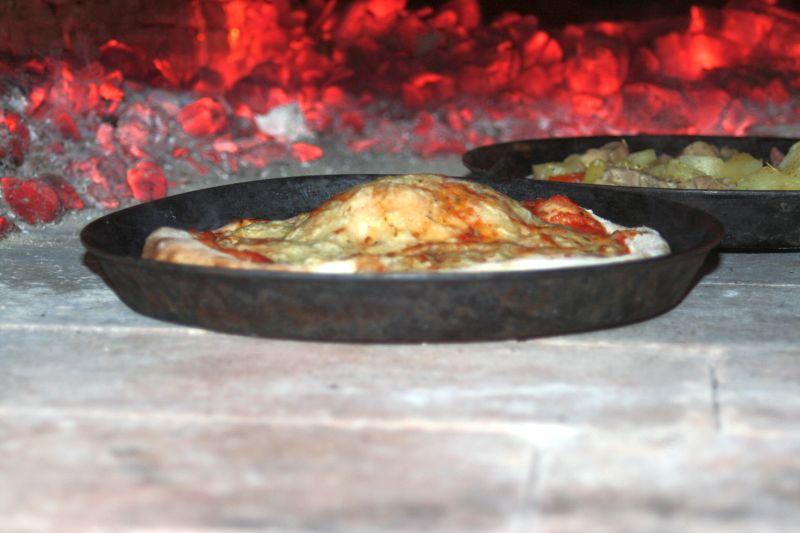 Pizza im Ofen.jpg