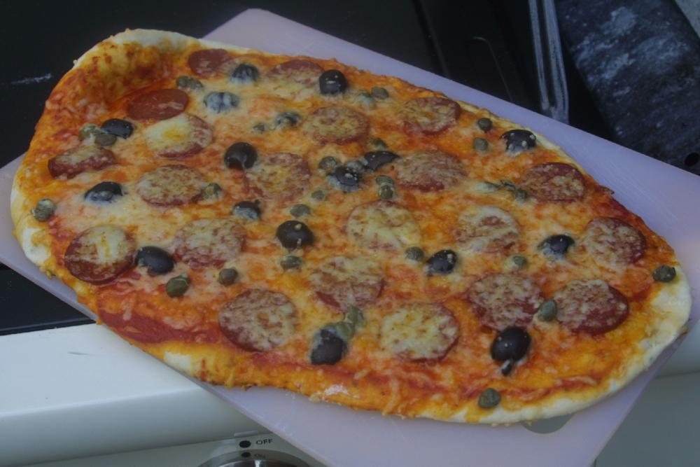 Pizza2fertig.jpg