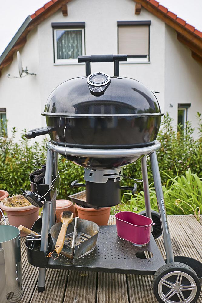 testlauf jamie oliver kugelgrill classic mit pulled pork grillforum und bbq www. Black Bedroom Furniture Sets. Home Design Ideas