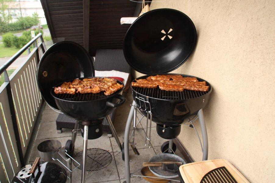ribs aufn grill.jpg