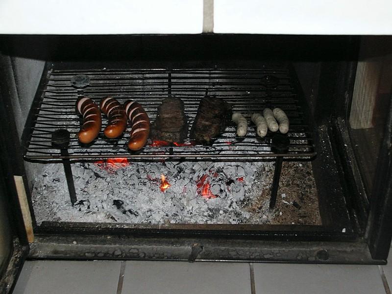 grillen im kaminofen