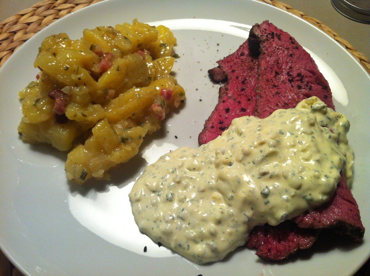 Roastbeef, Remouladensauce, Kartoffelsalat.JPG
