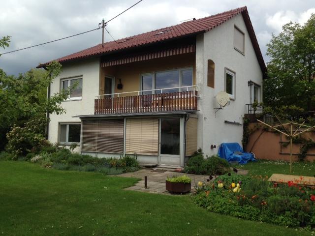 berdachter aussensitzplatz dach als terrasse grillforum und bbq. Black Bedroom Furniture Sets. Home Design Ideas