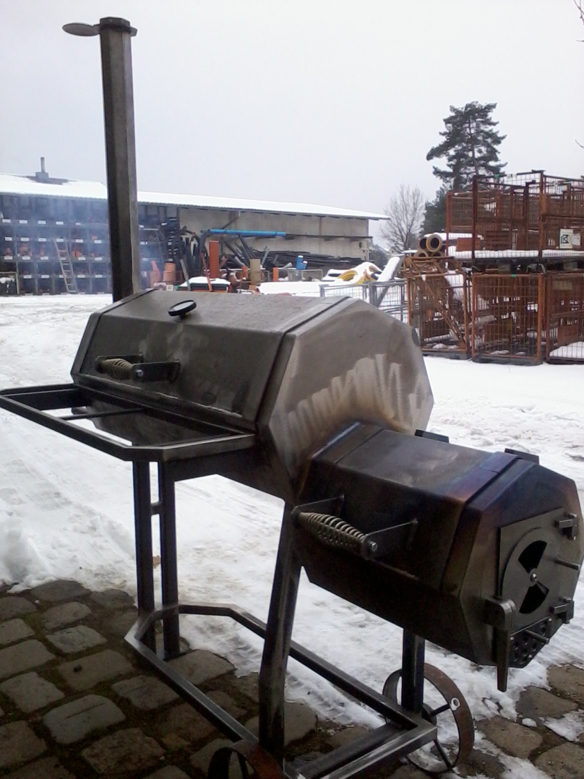 smoker fertig 001.jpg