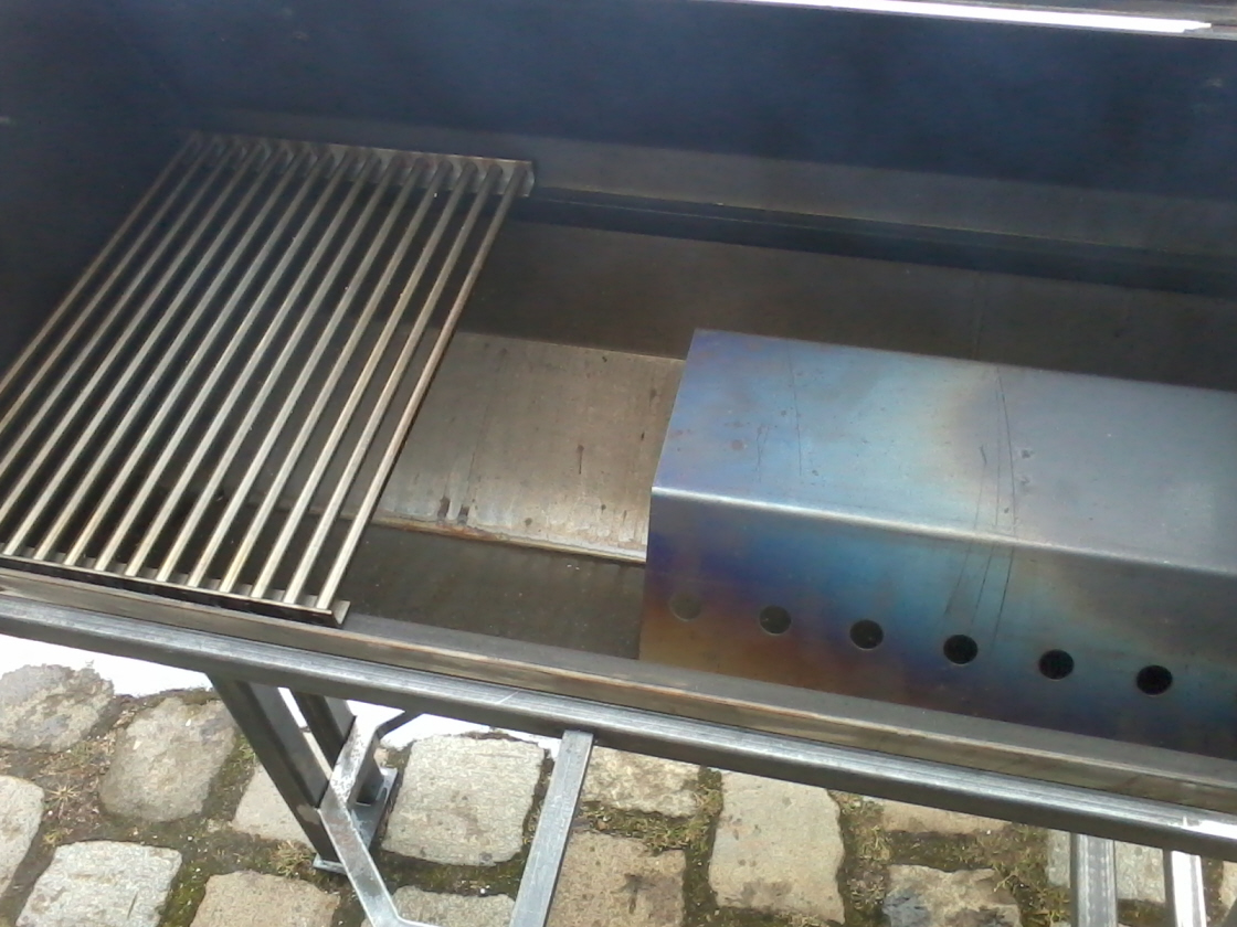 smoker fertig 008.jpg