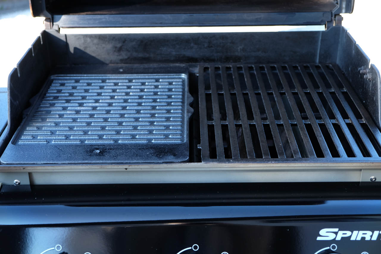 webergrill zubehr amazing weber holzkohle grillwagen. Black Bedroom Furniture Sets. Home Design Ideas