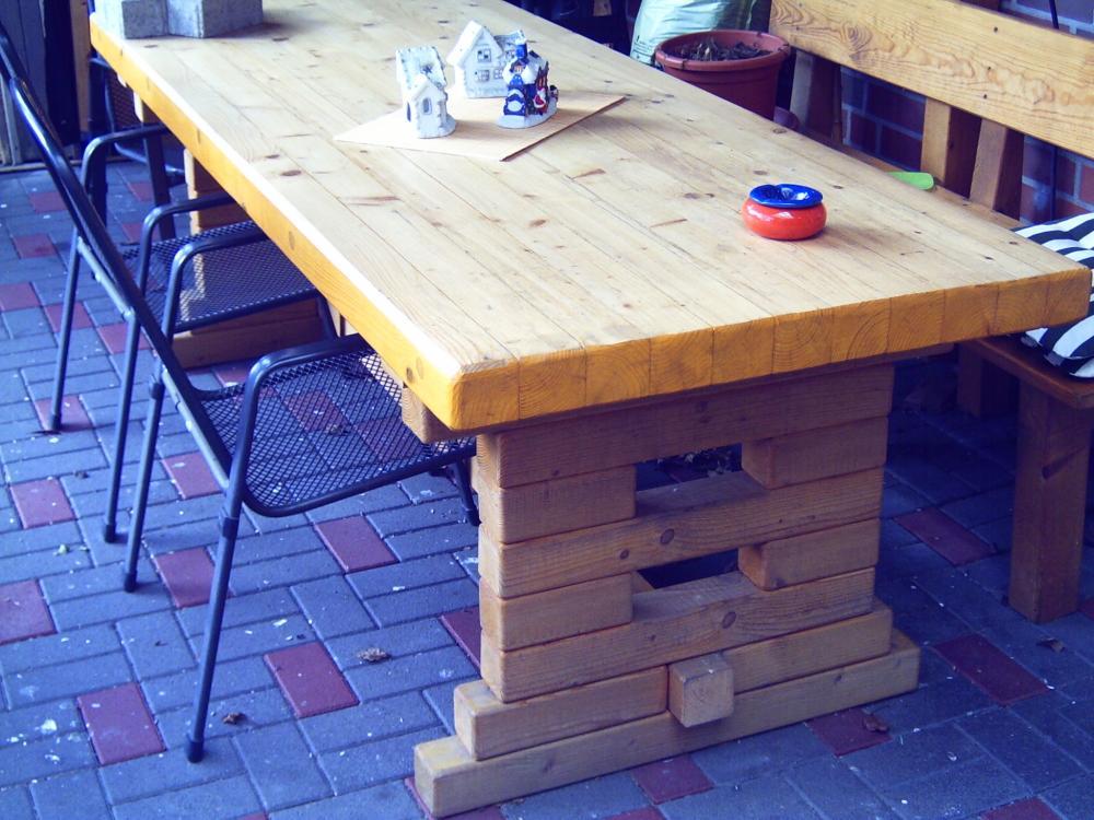 brainstorming der rustikale tisch aus dem dschungelcamp sebst bauen kaufen grillforum und. Black Bedroom Furniture Sets. Home Design Ideas