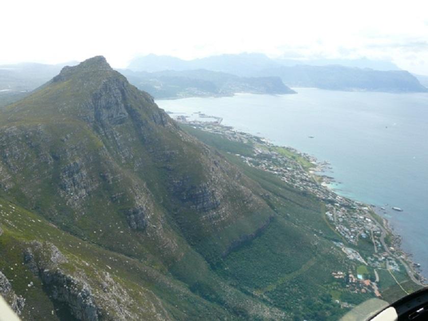 über den Bergen.jpg