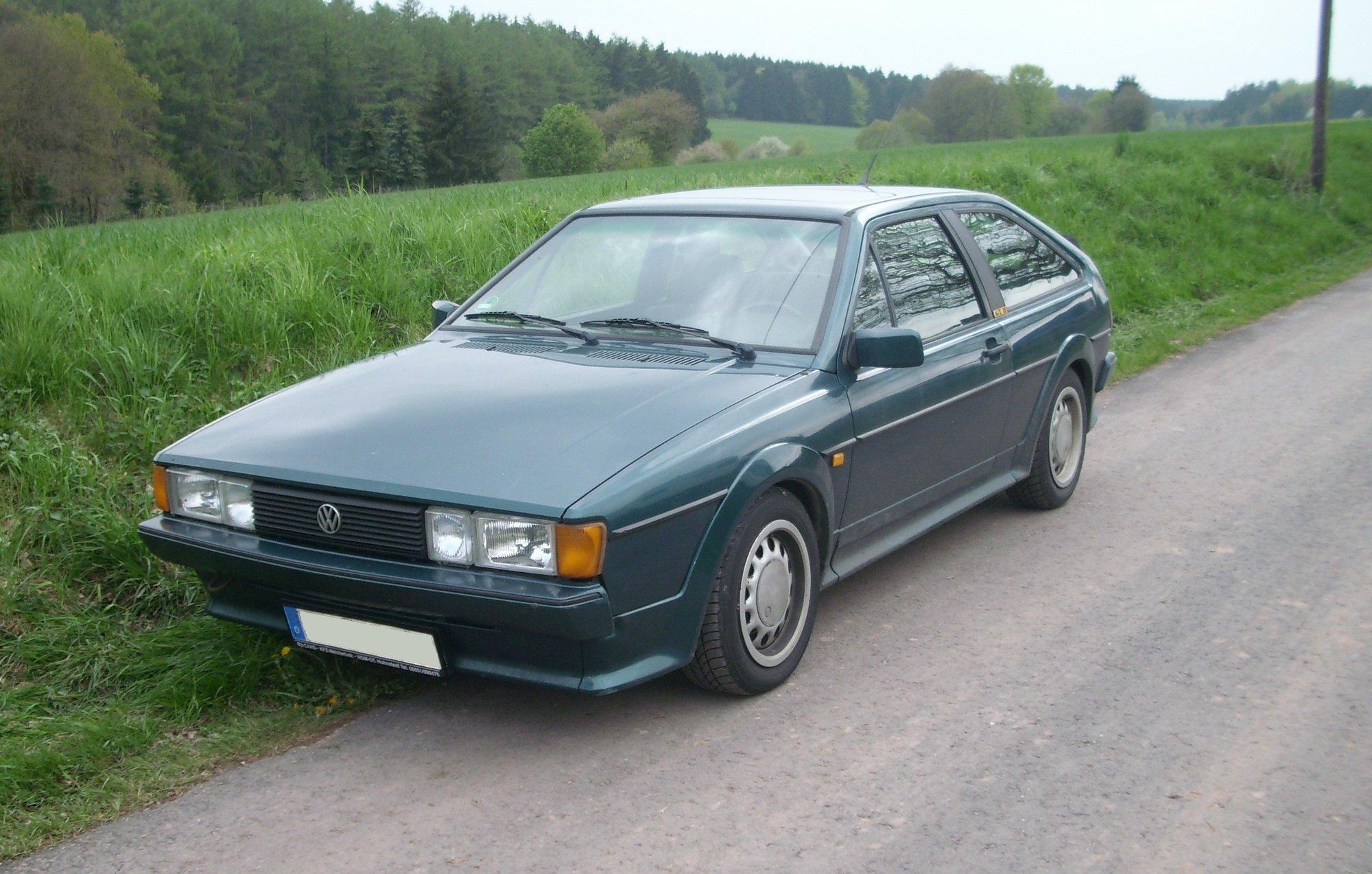 Volkswagen_Scirocco_II.jpg