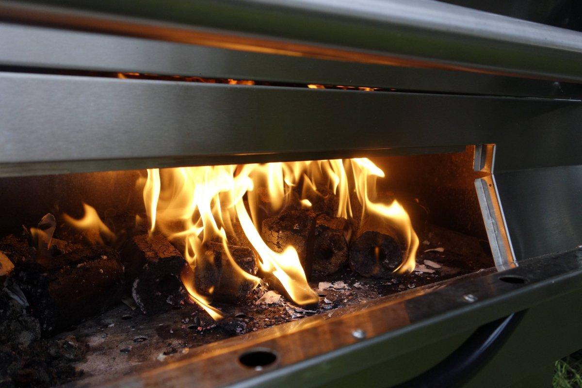 wallnuss-briketts-grill-1.jpg