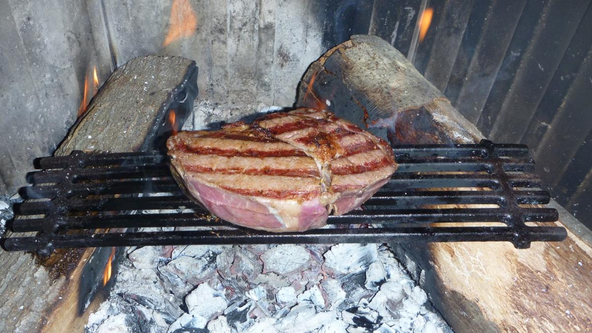 WUG STeak 003.jpg