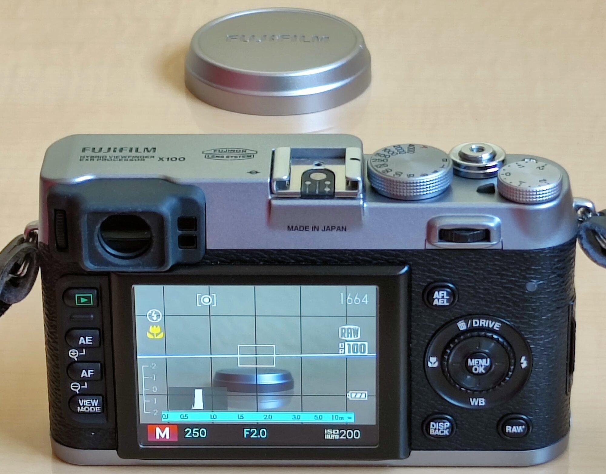 X100 - 14 - Kamera On, Live View.jpg