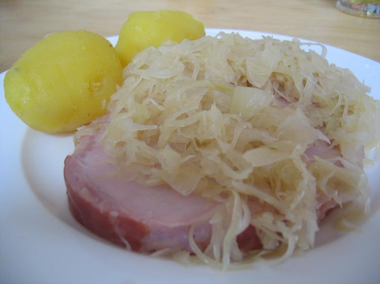 Rezept - Kassler mit Sauerkraut und Kartoffeln