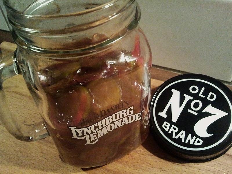 Jack Daniels Mini Kühlschrank : Rezept tennessee pickles eingelegte gurken für burger und hotdogs