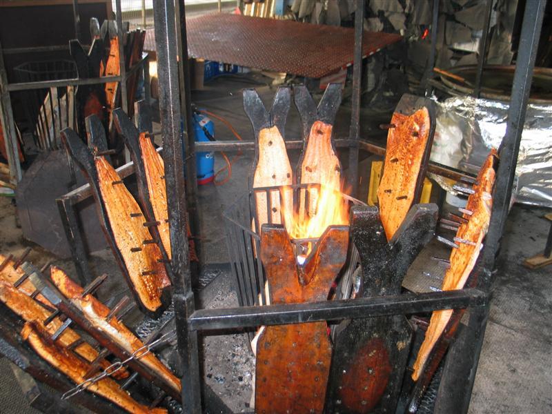 flammlachs nagelbrett grillforum und bbq www. Black Bedroom Furniture Sets. Home Design Ideas