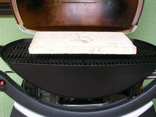 pizza direkt auf dem rost grillforum und bbq www. Black Bedroom Furniture Sets. Home Design Ideas
