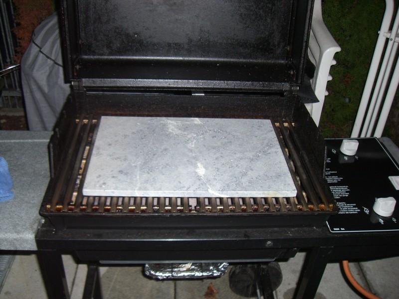 einweihung weber pizzastein grillforum und bbq. Black Bedroom Furniture Sets. Home Design Ideas