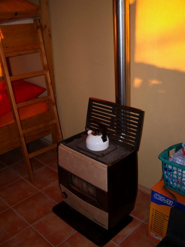 durchf hrung ofenrohr durch wand ofenbauer oder fachleute hier grillforum und bbq www. Black Bedroom Furniture Sets. Home Design Ideas
