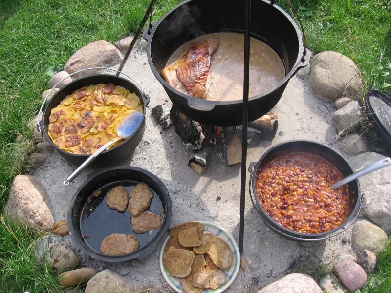 Feuerstelle f r dutch oven und pfanne grillforum und bbq www for Bartheke selbst gebaut