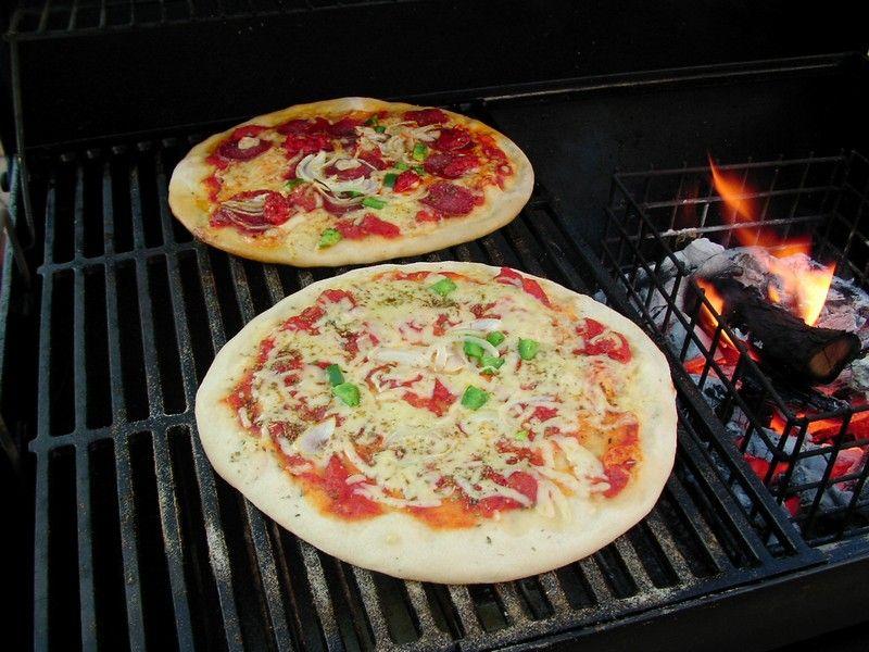 pizza endlich ein idealer teig grillforum und bbq. Black Bedroom Furniture Sets. Home Design Ideas