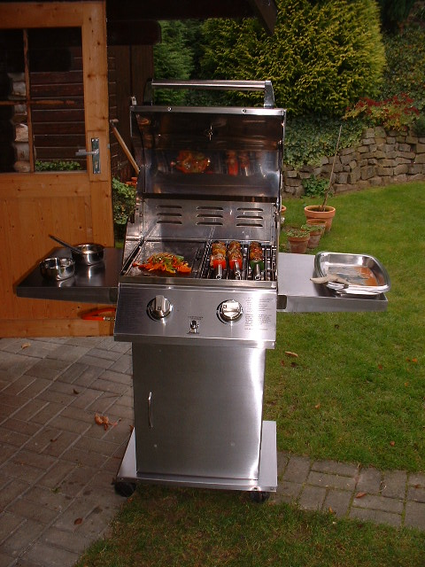 temperatur im gasgrill zu hoch f r niedrigtemperatur wer kennt kniff grillforum und bbq www. Black Bedroom Furniture Sets. Home Design Ideas