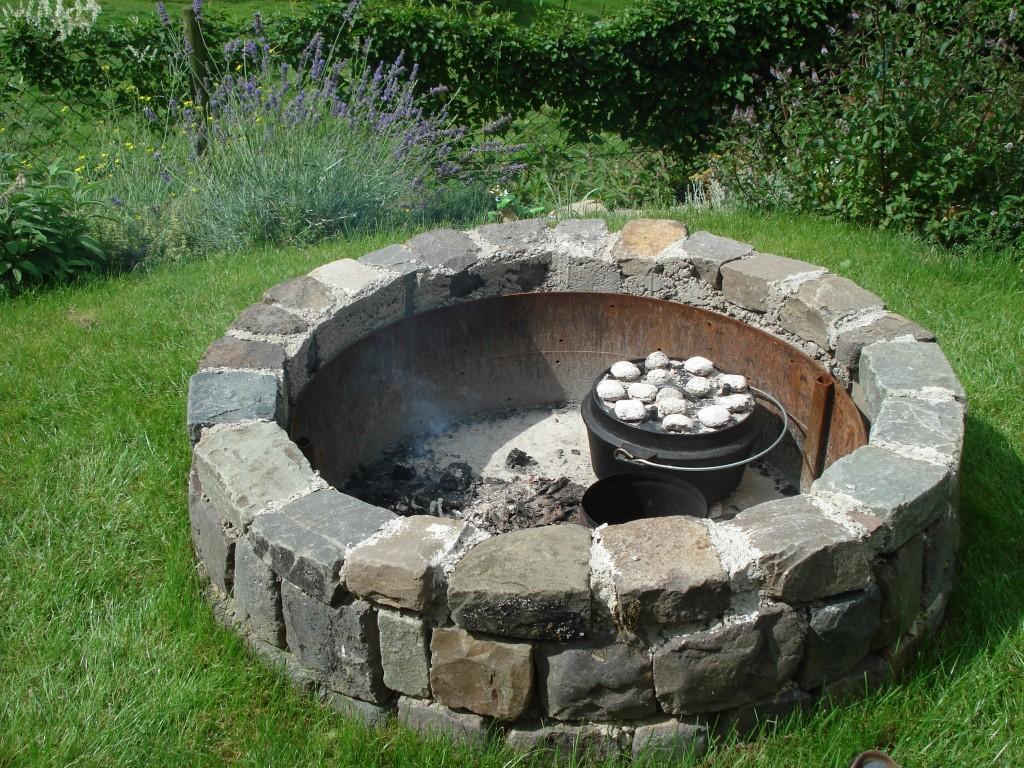 Nun isse fertig grillforum und bbq www for Gemauerte feuerstelle