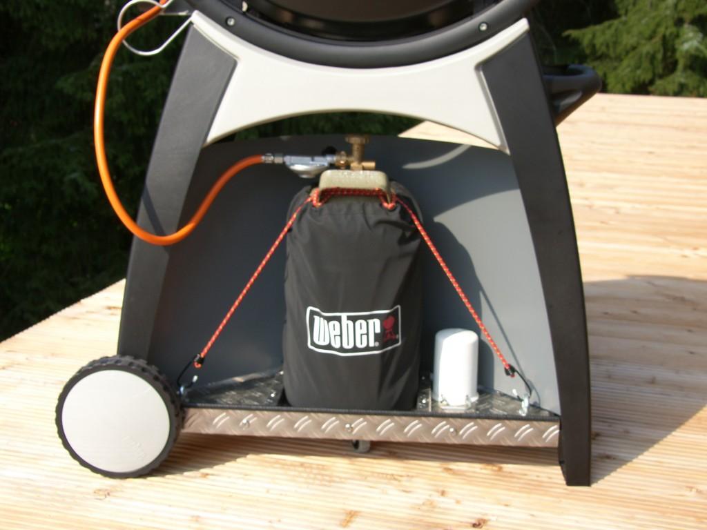 11 kilo gasflasche unter q300 seite 4 grillforum und bbq. Black Bedroom Furniture Sets. Home Design Ideas
