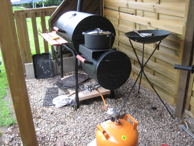 Natural Gas Grill With Smoker