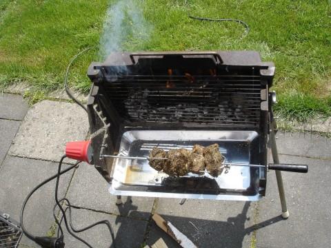 Landmann Holzkohlegrill : Landmann gußgrill für haxen und hähnchen grillforum und bbq