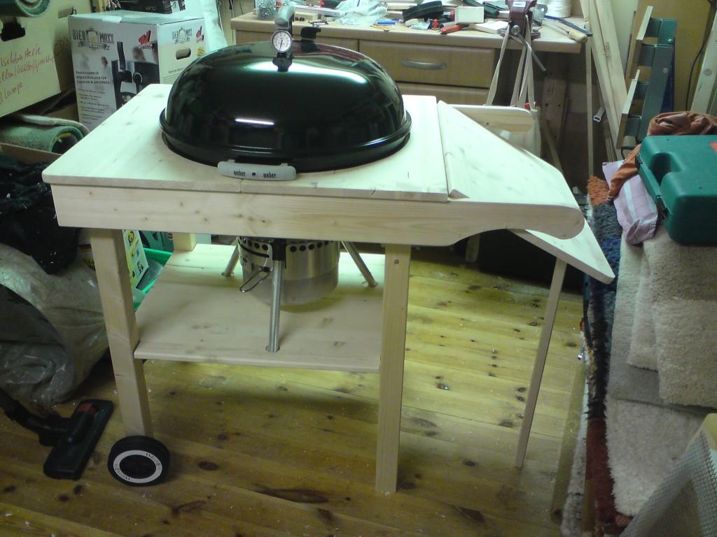 grillwagen selber bauen grillwagen selber bauen geschafft expli anleitung bauanleitung. Black Bedroom Furniture Sets. Home Design Ideas