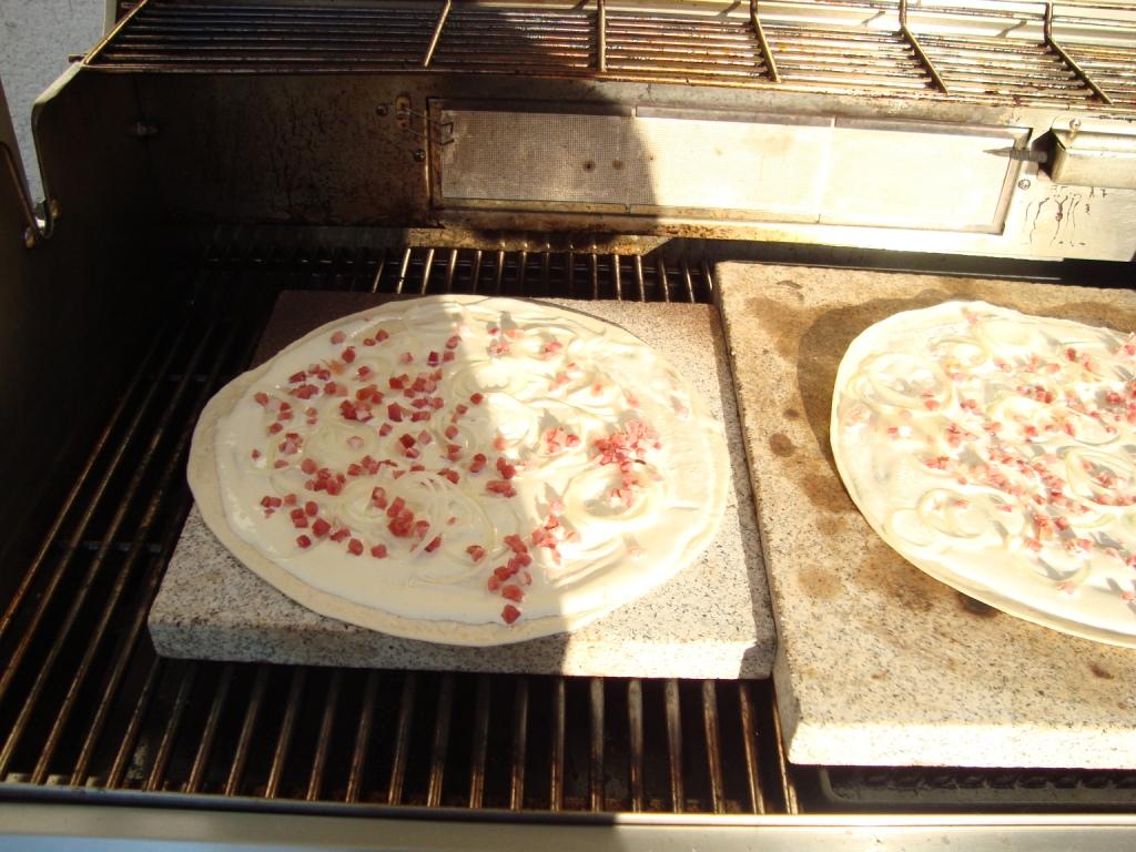 Pizzastein Für Gasgrill : Welcher pizzastein am besten für gasgrill grillforum und bbq